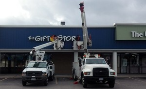 Installation of business sign by SBS